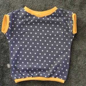 Kurzes Shirt Sterne